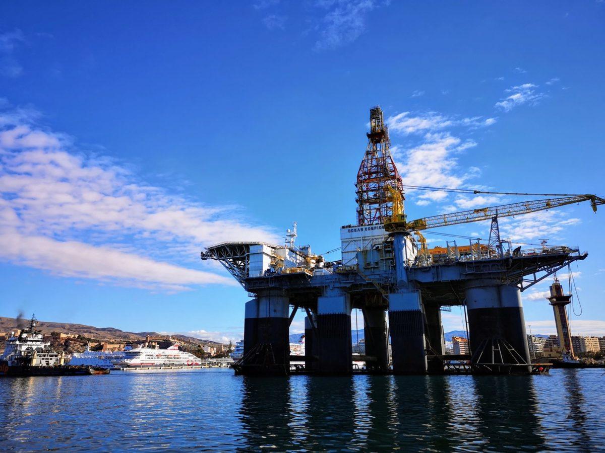 plataforma-petrolifera-ocean-confidence_puerto-de-almeria
