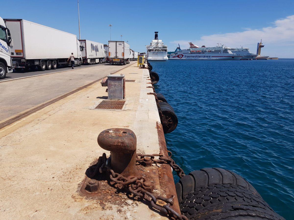 camiones-ferris-puerto-almeria