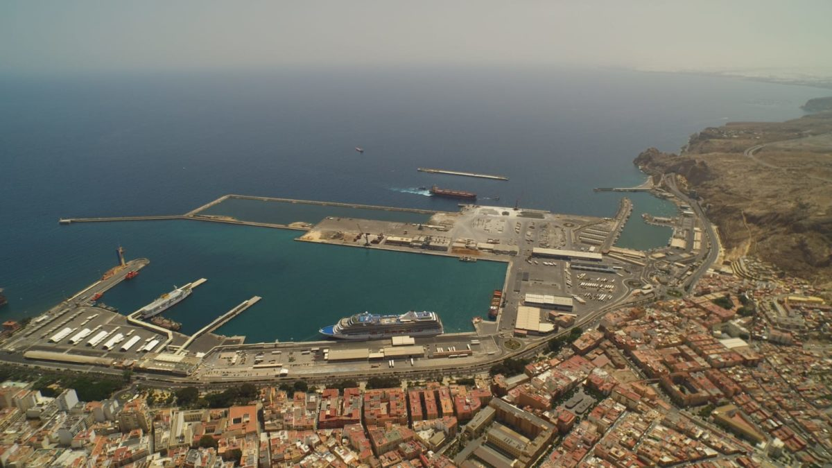 puerto-de-almera_panormiva-con-dique-exterior-al-fondo