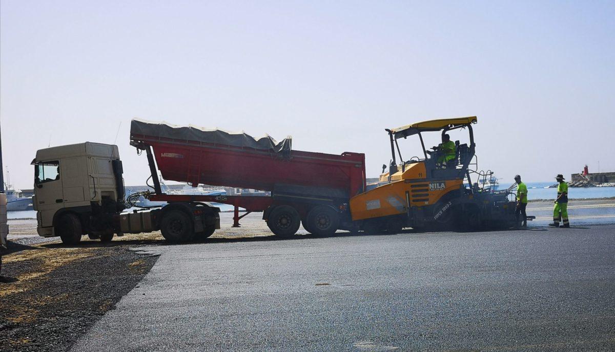 asfaltado-nueva-explanada-fondeadero-pesquero_1