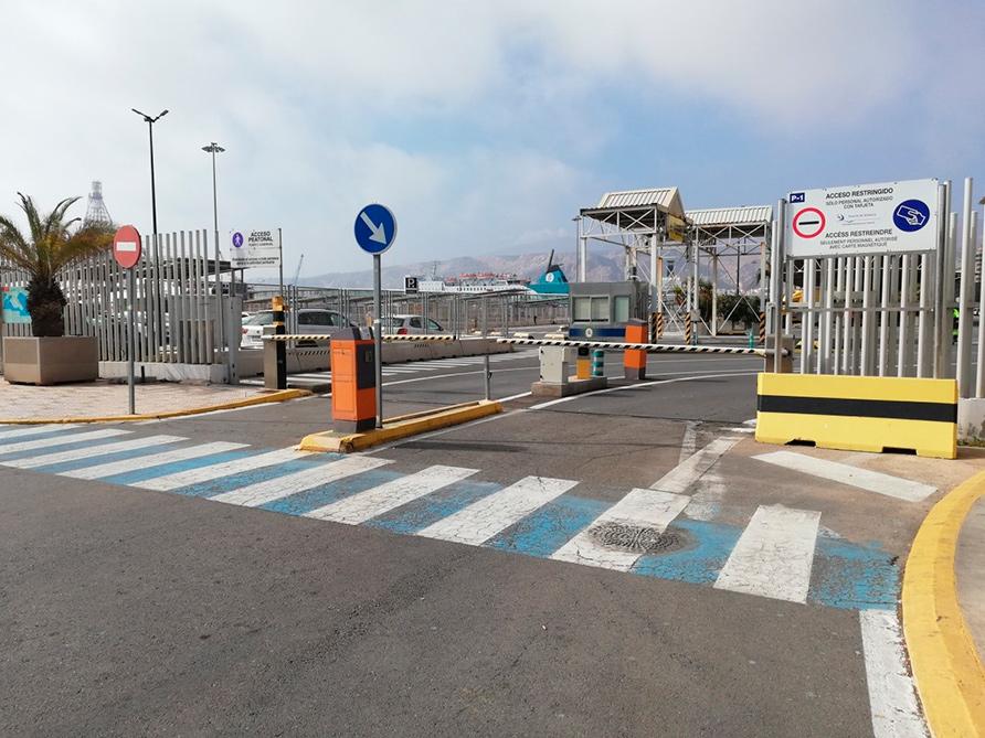 puerta - puerto Almería