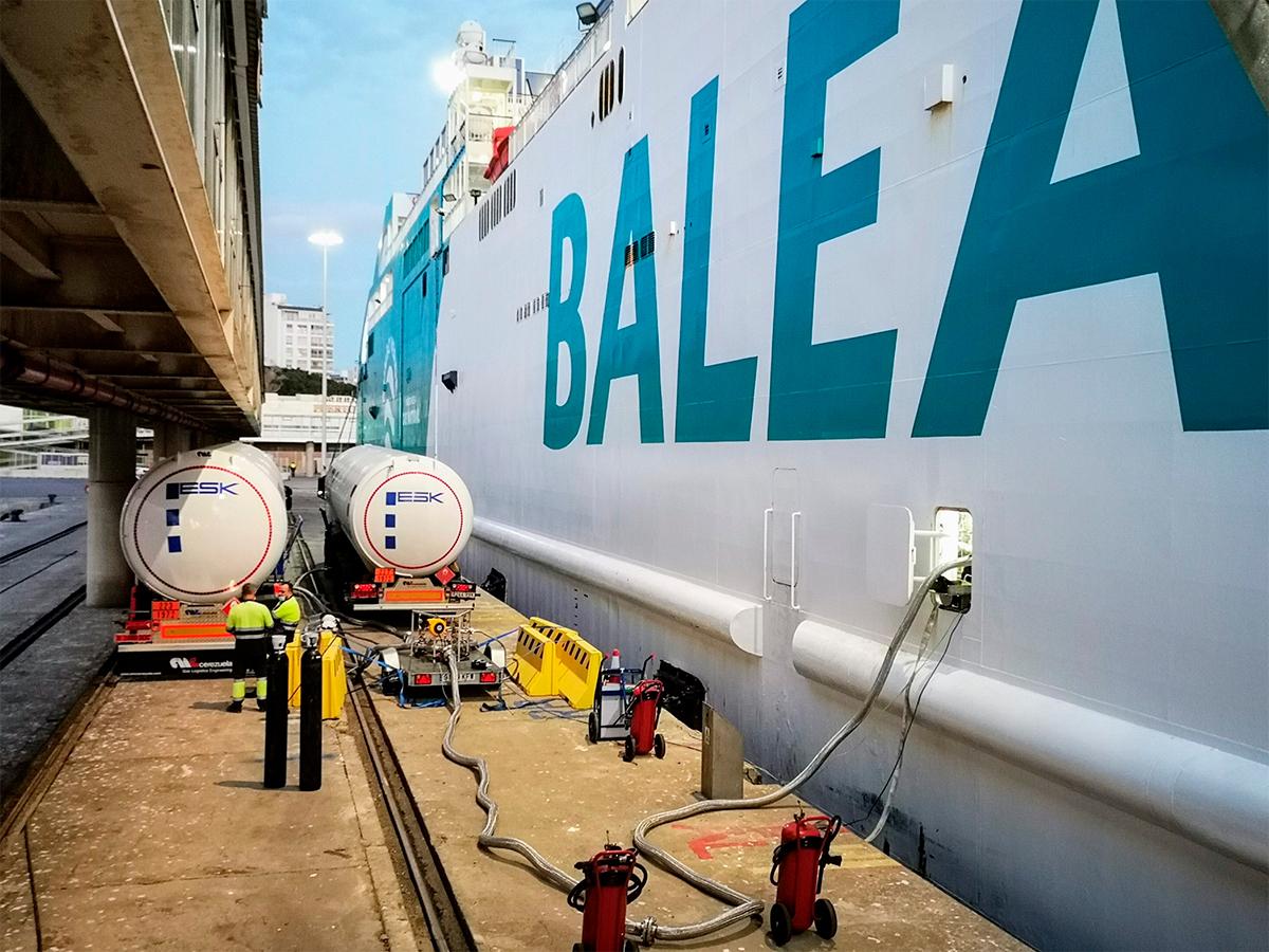 puerto-balearia-gas-natural-licuado