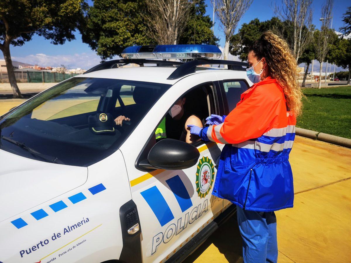 La Policía Portuaria recibe la primera dosis de la vacuna contra la covid-19