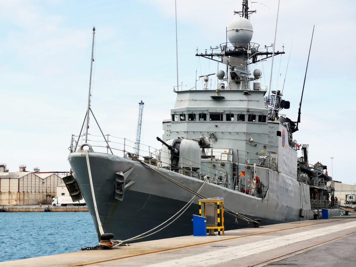 Buque Infanta Cristina, de la Armada, en el Puerto de Almería