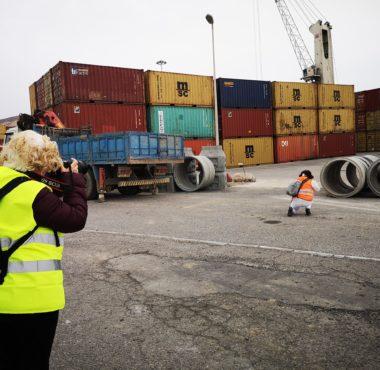 Inscritas en el Concurso de Fotografía Puerto de Almería captan unas imágenes en la Terminal de Contenedores