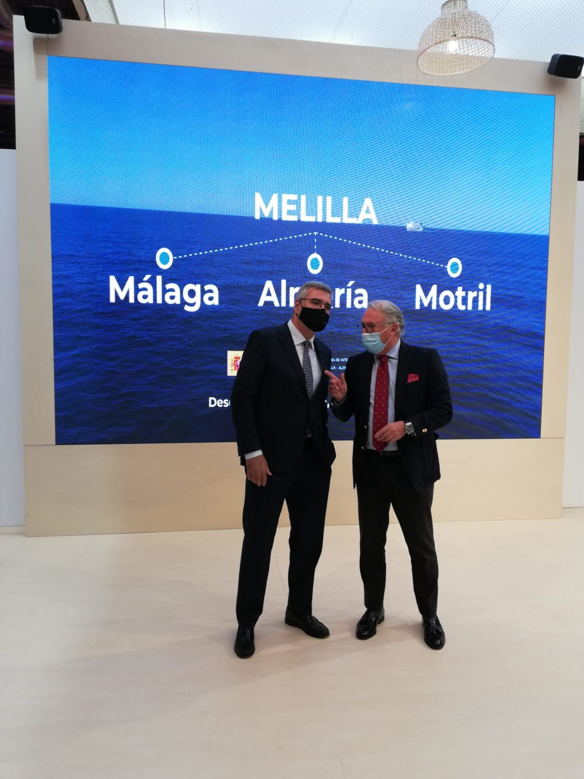 El presidente de la APA se reúne en Fitur con las navieras que operan en el Puerto de Almería