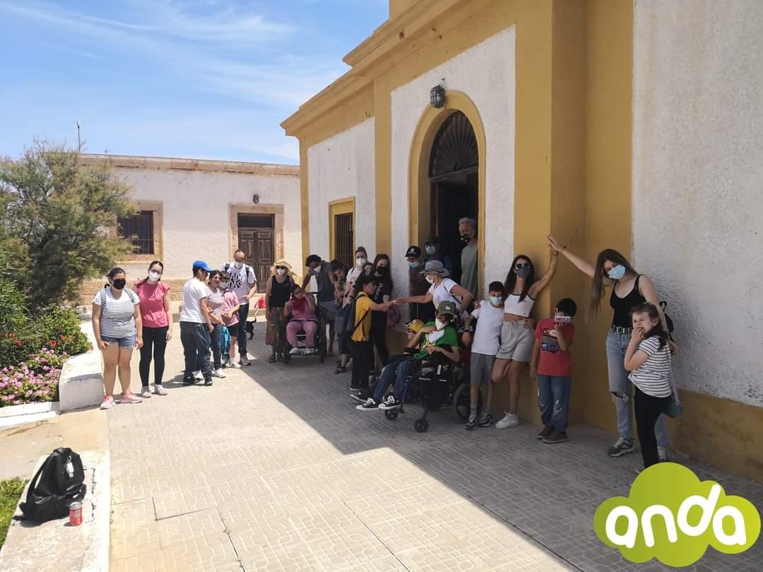 Niños y niñas de ANDA, en el Faro de Mesa Roldán
