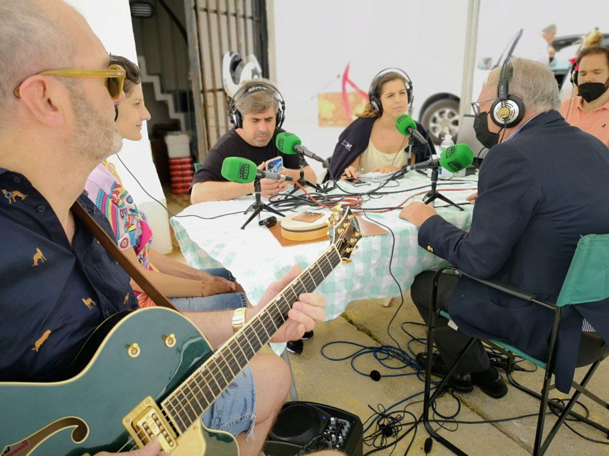 El presidente de la APA, en un programa de radio de Onda Cero, realizado desde el Faro de Almería