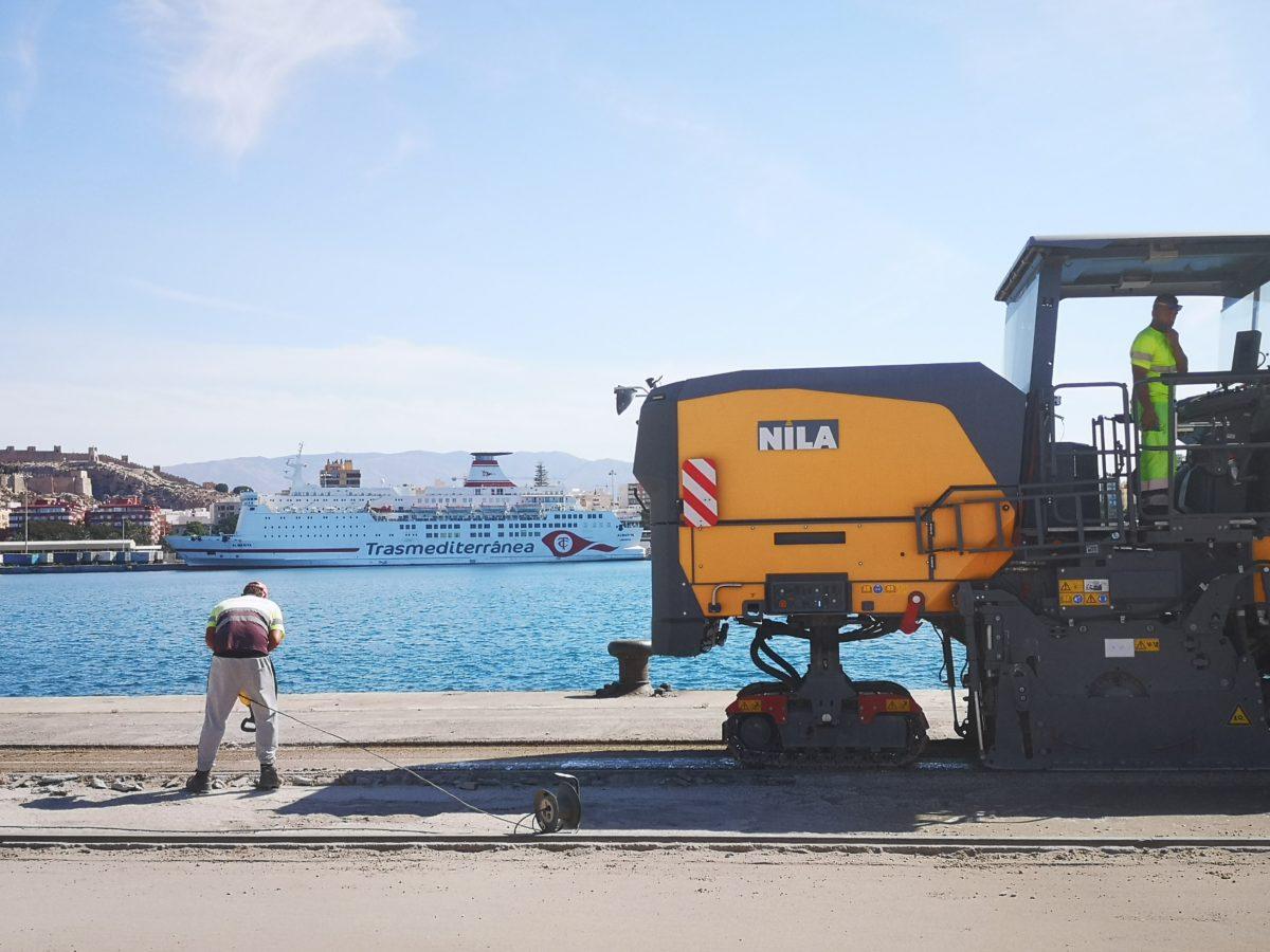 Obras de urbanización en la Terminal de Contenedores del Puerto de Almería