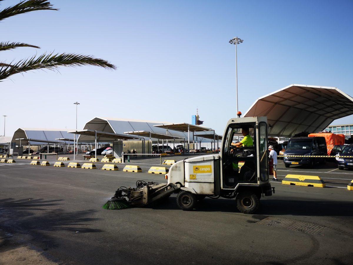 Servicio de limpieza del Puerto de Almería