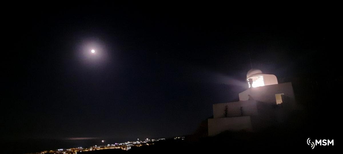 Prueba de alcance de luz en el faro de Mojácar