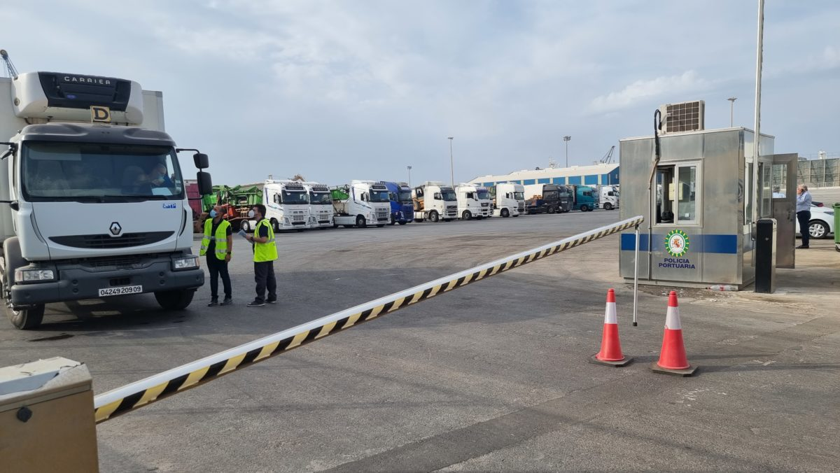 Entra en servicio el parking de camiones del Puerto de Almería
