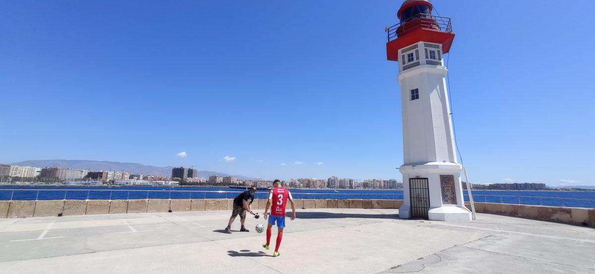 Un momento de la grabación del video del Poli Almería en el Faro de Poniente