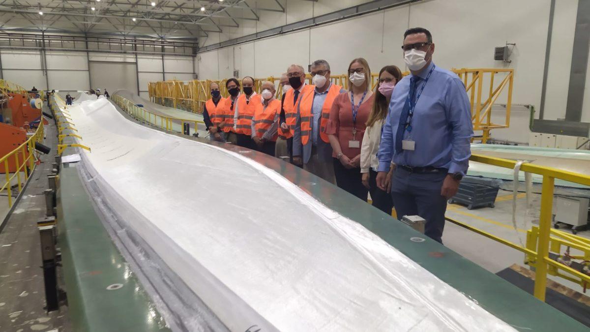 El pte. de la APA visita la fábrica de palas eólicas de Eblades Technology, en Ferreira (Granada)