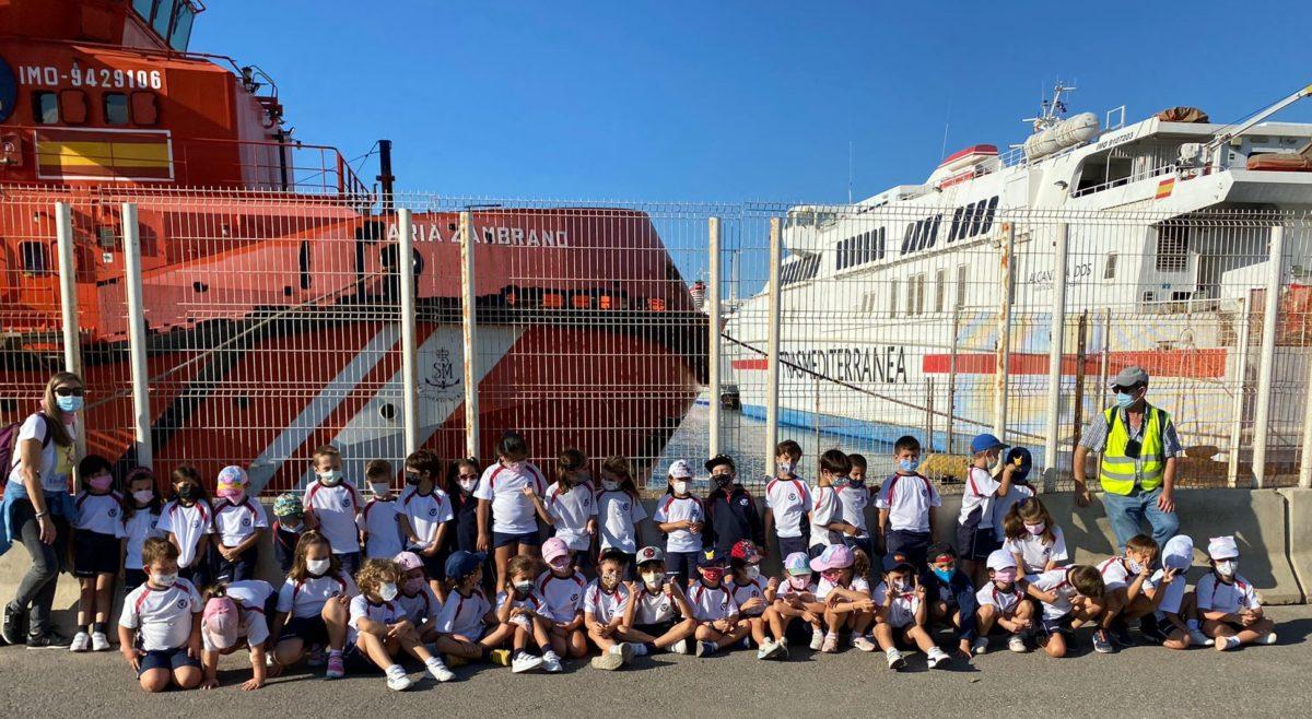 Escolares del colegio Sek Alborán, de visita en el Puerto